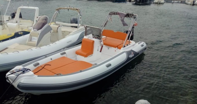 Boat rental Sardinia cheap MV 620