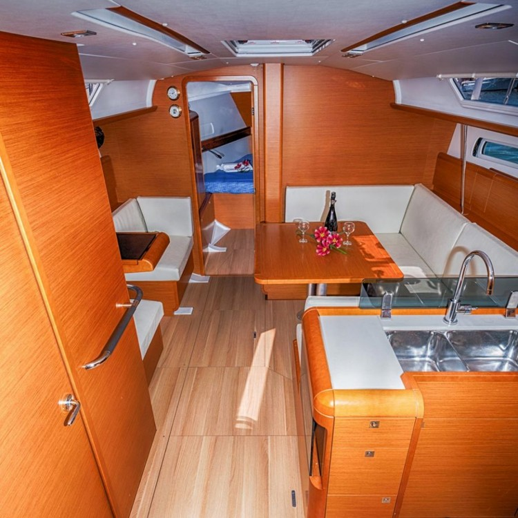 Jeanneau Sun Odyssey 409 between personal and professional Κεραμωτή