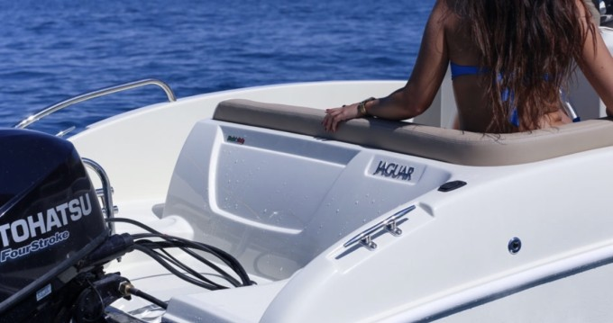Rental Motorboat Ta.ma.re with a permit