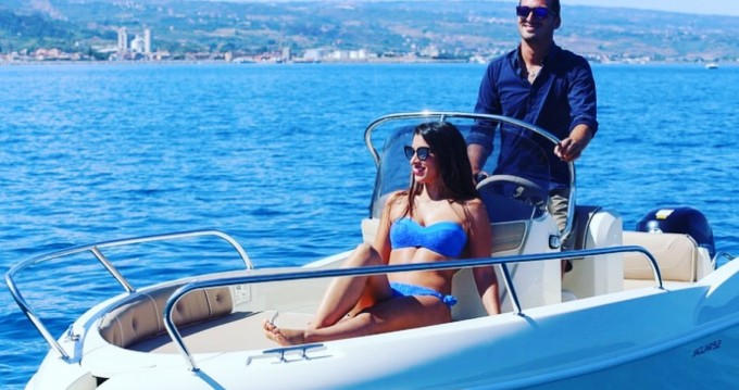 Motorboat for rent Tropea at the best price