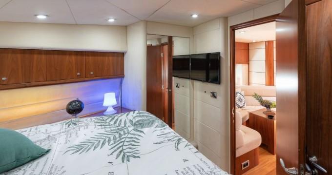 Rental Yacht in Split - Sunseeker Predator 62