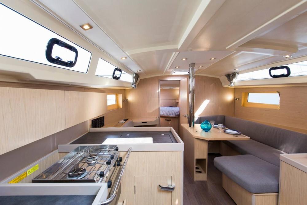 Rental yacht Barcelona - Bénéteau Oceanis 41.1 on SamBoat