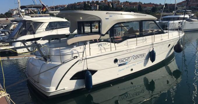 Boat rental Bavaria E40 Sedan in Lavagna on Samboat