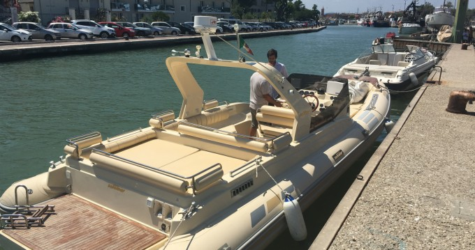 Rental RIB in Piombino - Solemar 28 offshore