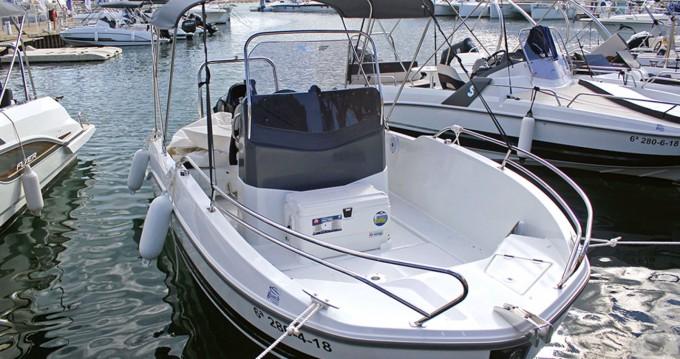 Boat rental Bénéteau Flyer 5.5 SPACEdeck in Cambrils on Samboat