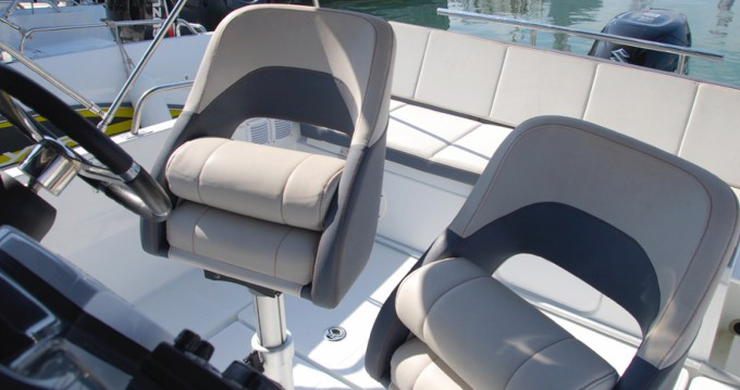Hire Motorboat with or without skipper Bénéteau Cambrils