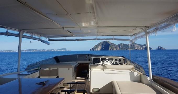 Rental Yacht Rizzardi with a permit