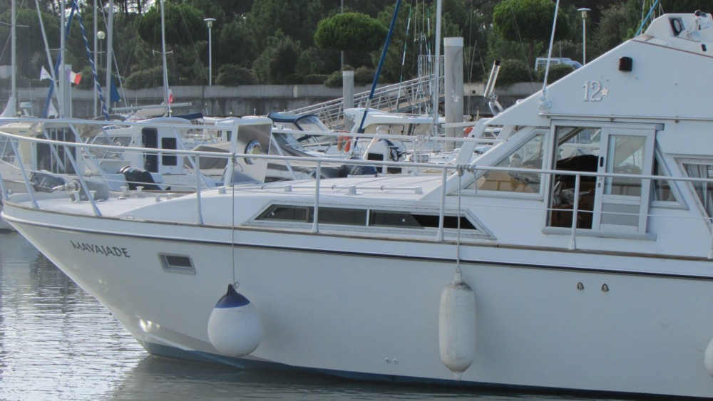 Rental Motor boat in Le Verdon-sur-Mer - Guy Couach Guy Couach 1200 Fly