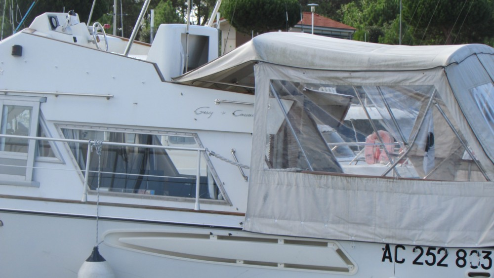 Boat rental Guy Couach Guy Couach 1200 Fly in Le Verdon-sur-Mer on Samboat