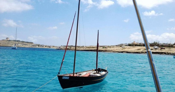 Rental Sailboat in Valletta - Drascombe lugger by Church boats Drascombe Lugger