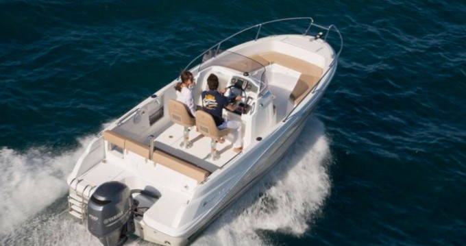 Motorboat for rent Calvi at the best price