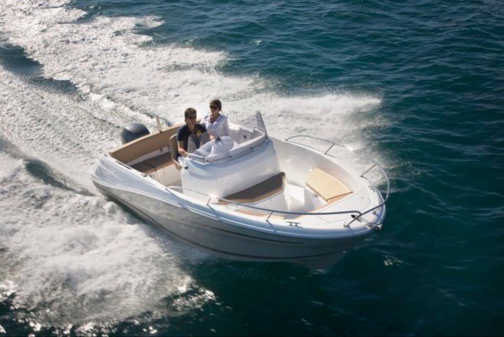 Boat rental Jeanneau Cap Camarat 635 Style in Calvi on Samboat