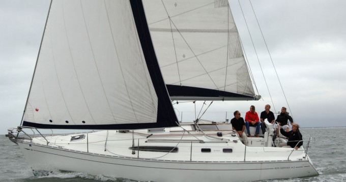 Rental yacht La Rochelle - Jeanneau Sun Odyssey 34.2 on SamBoat