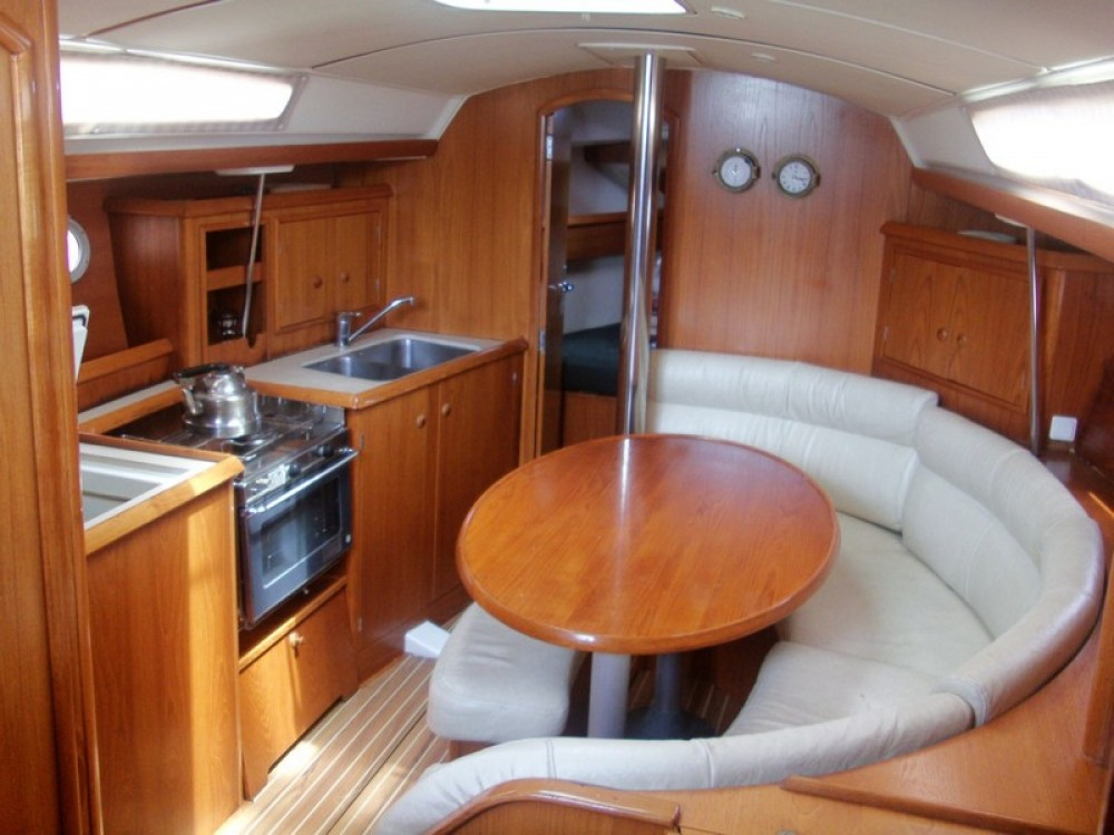 Rental Sailboat in La Rochelle - Jeanneau Sun Odyssey 34.2