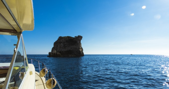 Hire Motorboat with or without skipper Chris Craft Amalfi