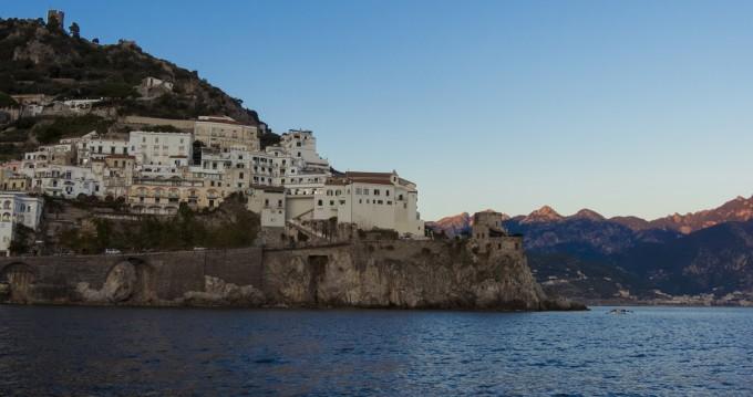 Boat rental Chris Craft Commander 31 in Amalfi on Samboat