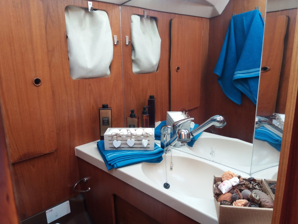 Boat rental Cagliari cheap Comet 12