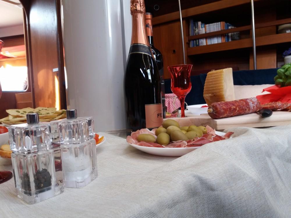 Rental Sailboat in Cagliari - Ad Maiora Comet 12