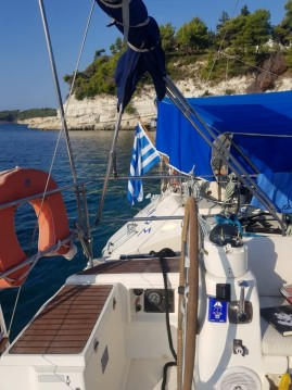 Rental Sailboat in Neos Marmaras - Dufour Dufour 385 Grand Large