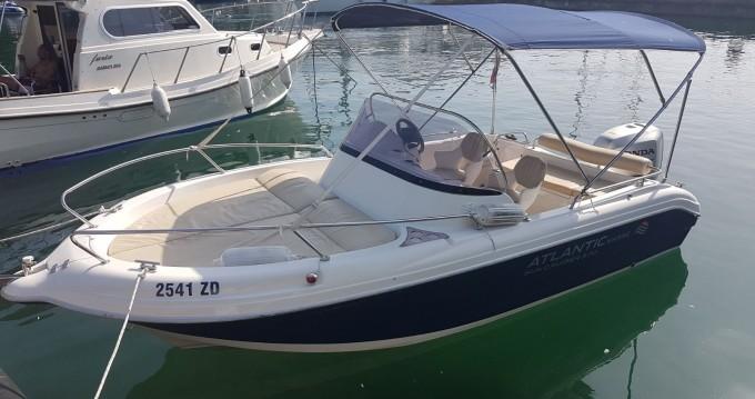 Boat rental Atlantic Suncruiser 570 in Tisno on Samboat