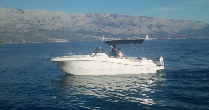 Motorboat for rent Sumartin at the best price