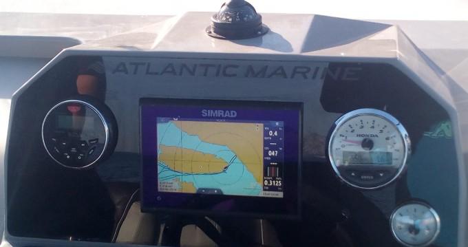Boat rental Atlantic 750 Open in Sumartin on Samboat