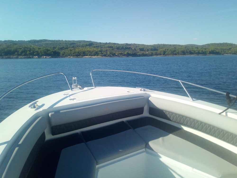 Atlantic-Marine 750 open between personal and professional Sumartin