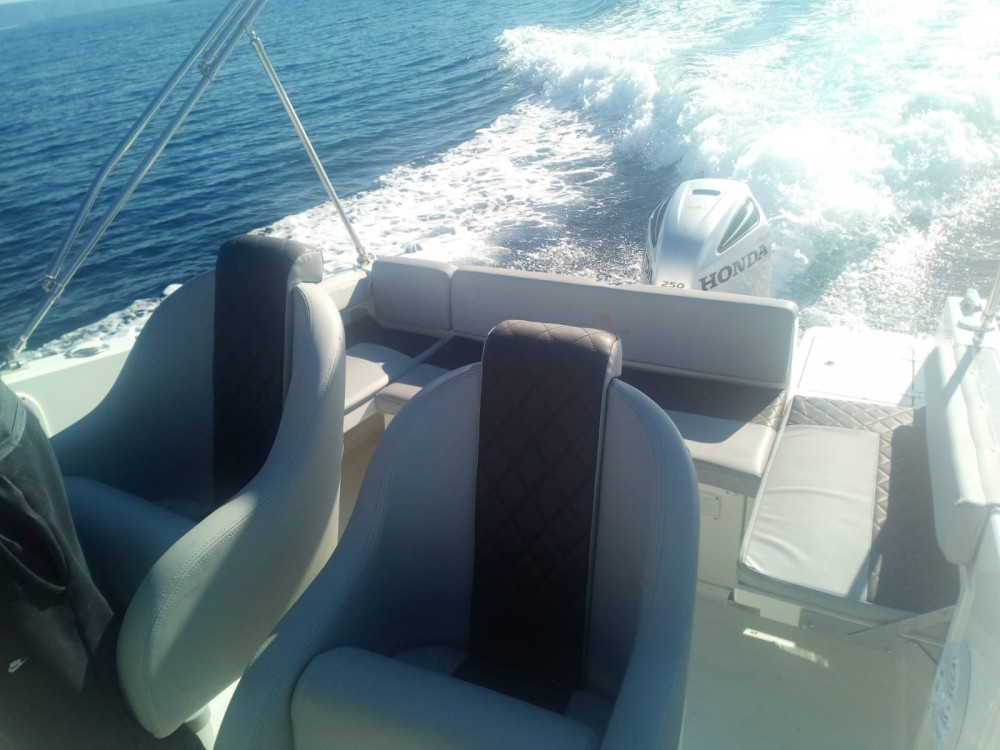 Rental Motor boat in Sumartin - Atlantic-Marine 750 open