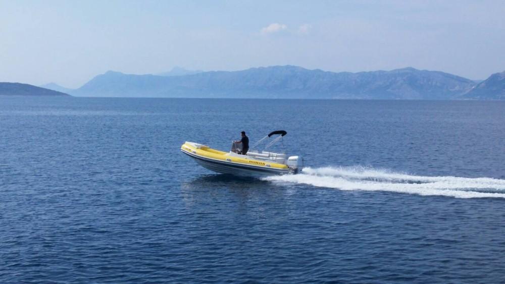 Rental yacht Sumartin - Primus marine Robinson 23 on SamBoat