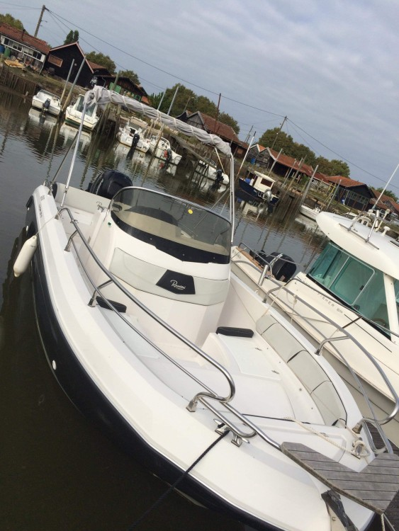 Ranieri Voyager 23 S between personal and professional Arcachon