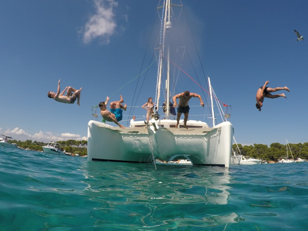 Rental Catamaran in Port Grimaud - Lagoon Lagoon 420
