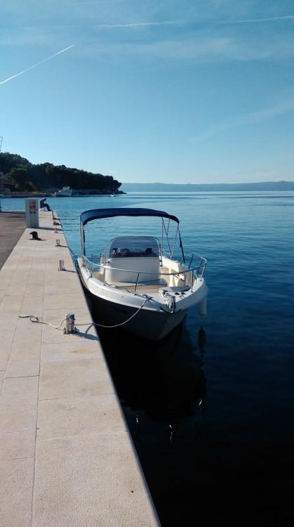Boat rental Saver Saver 690 Open in Sumartin on Samboat
