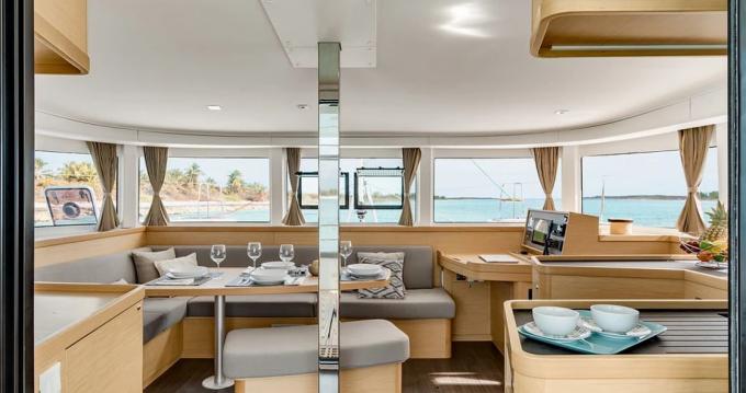 Rental yacht Port Grimaud - Lagoon Lagoon 42 on SamBoat