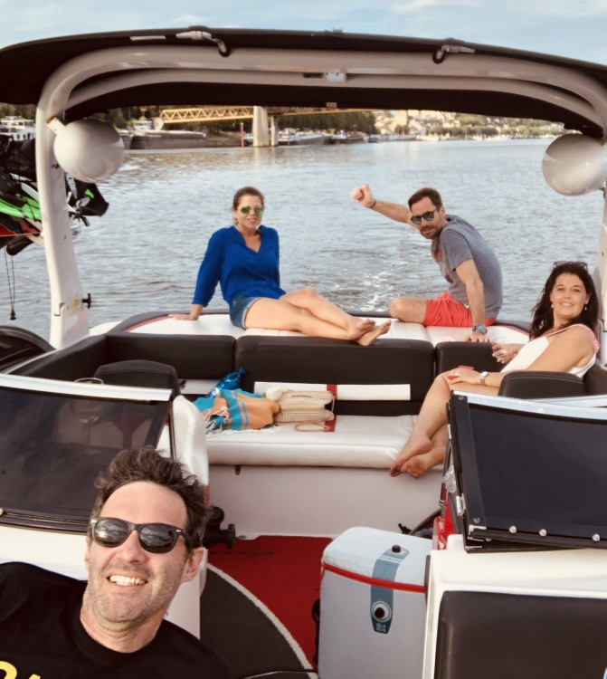 Hire Motorboat with or without skipper Four Winns Saint-Cloud