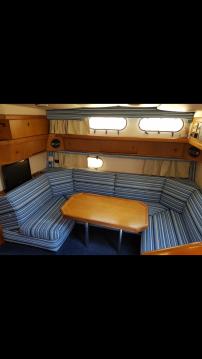 Rent a Sealine sealine 328 open Split