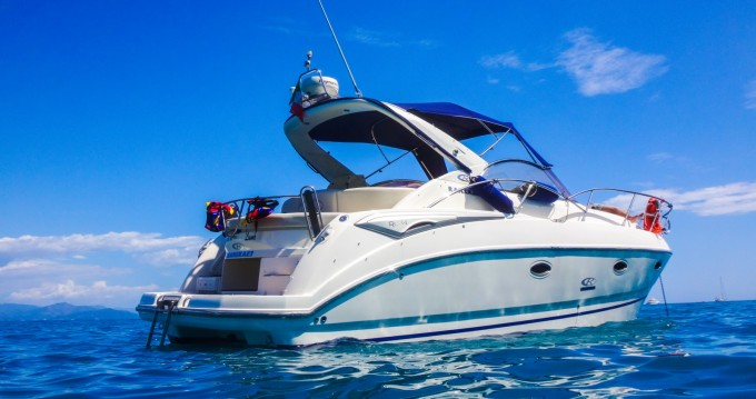 Motorboat for rent Rapallo at the best price