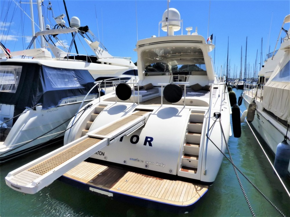Rental Yacht Leopard with a permit
