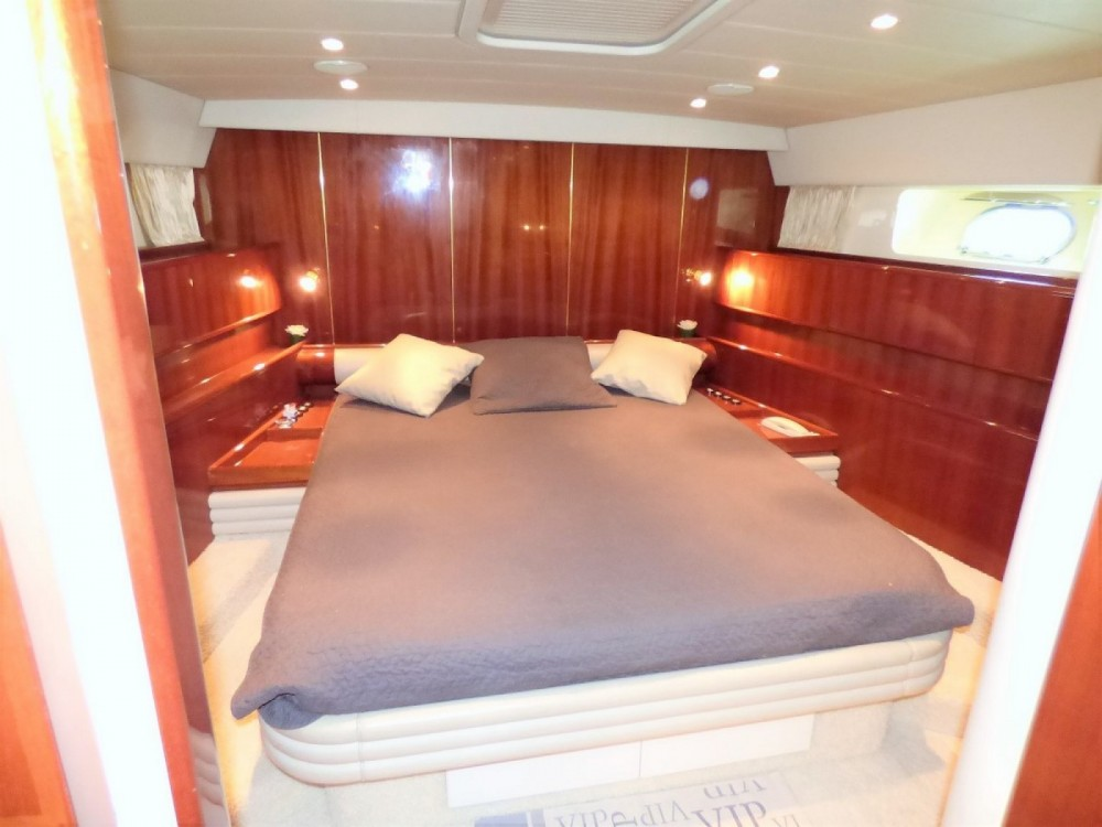 Boat rental Leopard Leopard 23 Sport Hard Top in Fréjus on Samboat