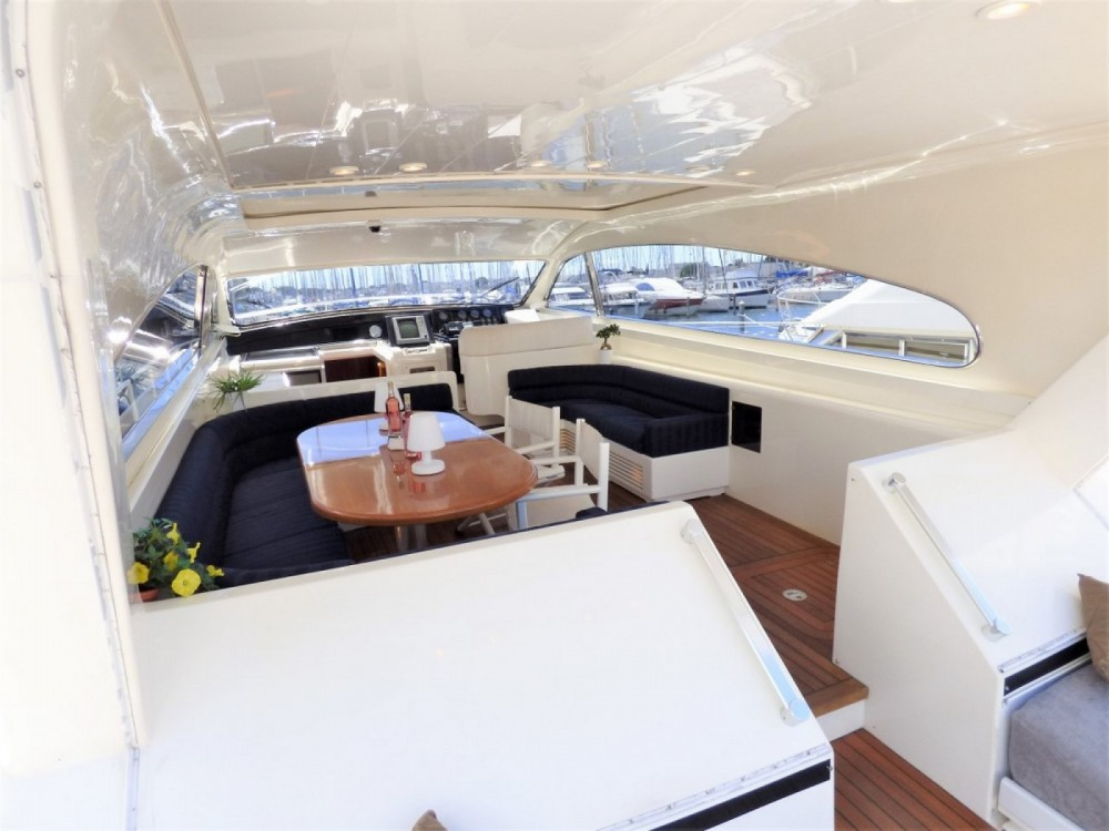 Leopard Leopard 23 Sport Hard Top between personal and professional Fréjus