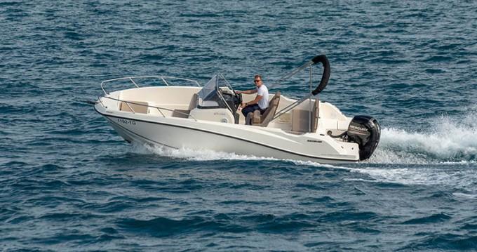 Boat rental Quicksilver Activ 675 in Trogir on Samboat