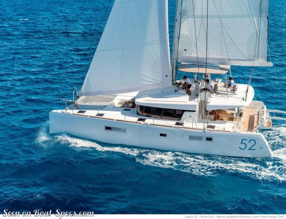 Boat rental Palma cheap Lagoon 52 F