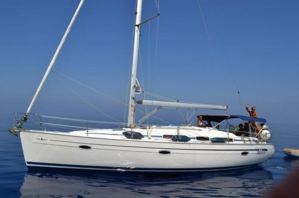 Rental Sailboat in Capo d'Orlando - Bavaria Bavaria 39