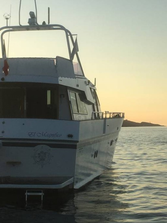 Hire Yacht with or without skipper Leopard Lecci