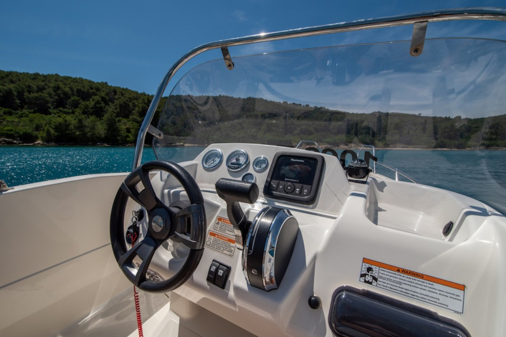 Boat rental Trogir cheap Activ 455 Open