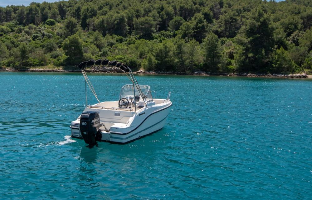 Rental Motorboat in Trogir - Quicksilver Activ 455 Open