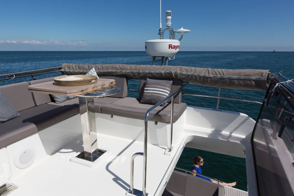 Rental yacht Bandol - Jeanneau Prestige 420 Fly on SamBoat