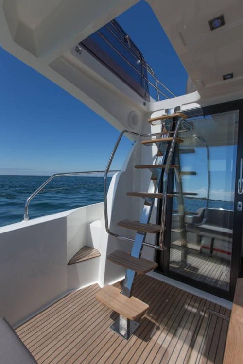 Boat rental Jeanneau Prestige 420 Fly in Bandol on Samboat