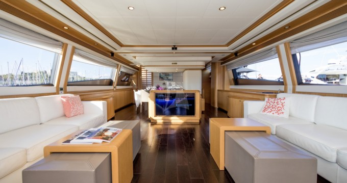 Hire Yacht with or without skipper Ferretti Antibes