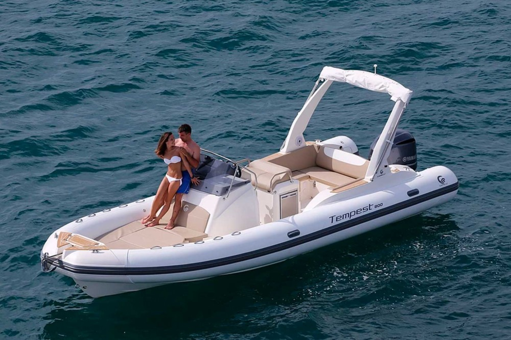 Rent a Capelli Tempest 800 Balearic Islands
