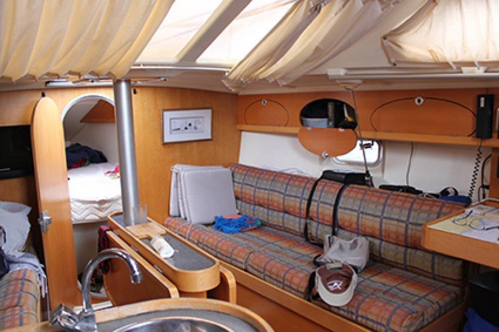 Boat rental Etap Etap 32i in Sari-Solenzara on Samboat